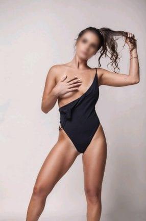 escort española con marcas de bikini